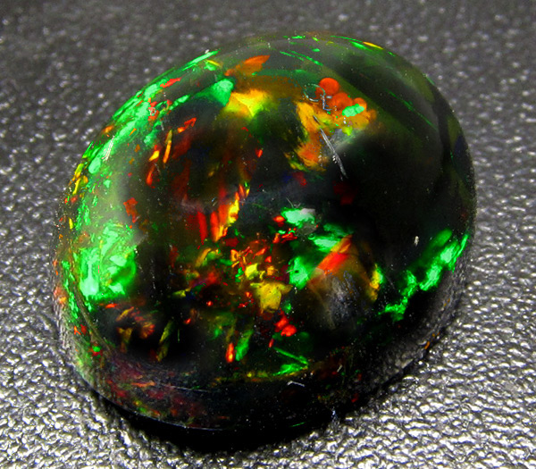 Черный опал камень